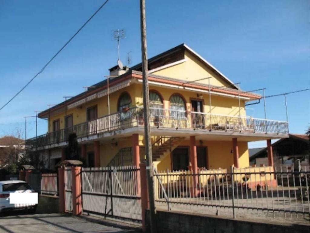 Appartamento in vendita a Frossasco, 5 locali, prezzo € 85.000 | CambioCasa.it