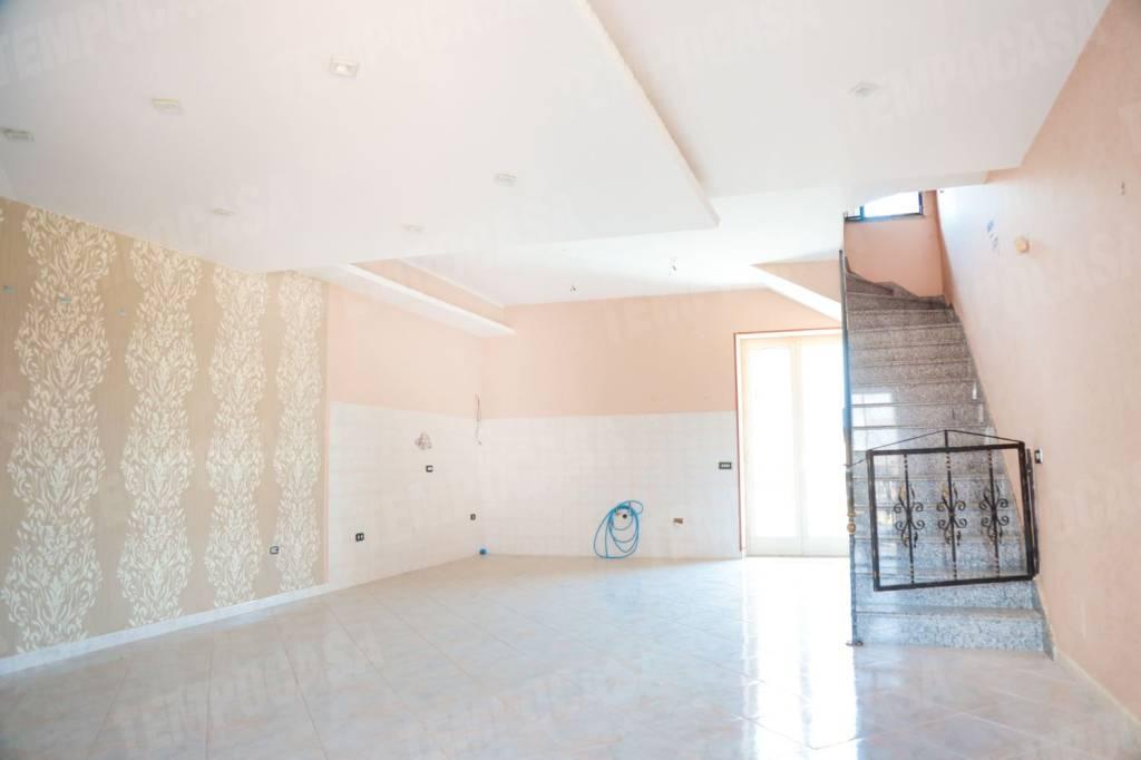 Appartamento su due piani in Vico IV Marco Rocco, Casoria
