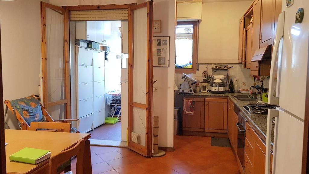 Foto 1 di Appartamento via Adriano Zarini 350, Prato (zona Zarini, Mezzana, Repubblica, Montegrappa)