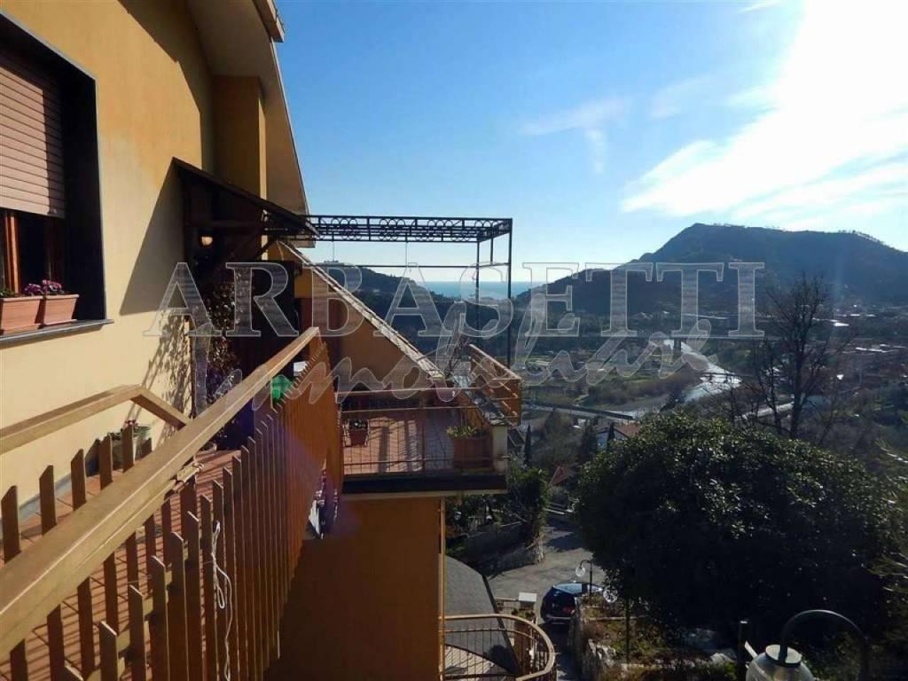 Appartamento in vendita a Sestri Levante, 7 locali, prezzo € 320.000 | PortaleAgenzieImmobiliari.it