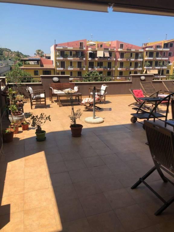 Appartamento in Vendita a Rometta Centro: 5 locali, 180 mq