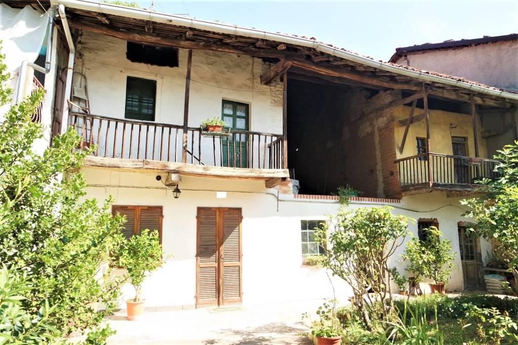 Foto 1 di Casa indipendente via Crescentino, Vische