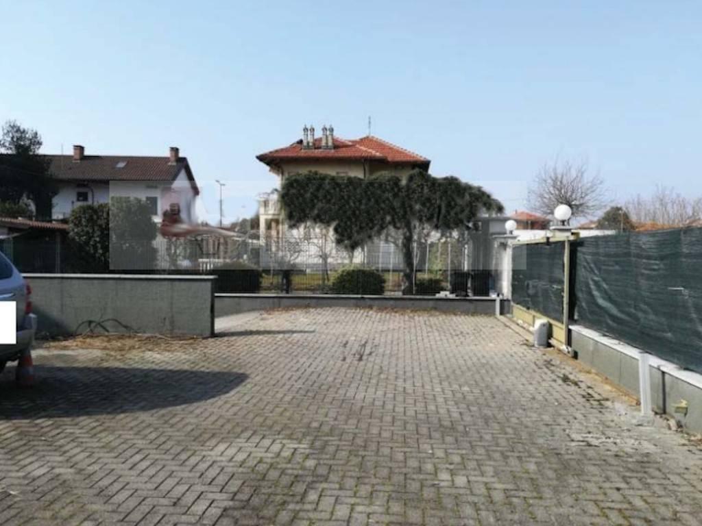 Magazzino in vendita a Caselle Torinese, 3 locali, prezzo € 80.000 | PortaleAgenzieImmobiliari.it