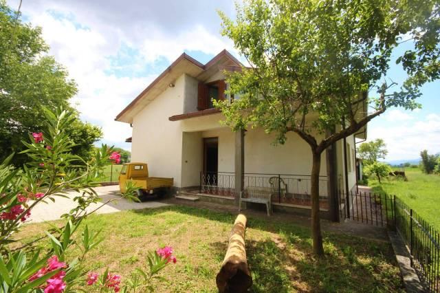 Villa in buone condizioni in vendita Rif. 6643660