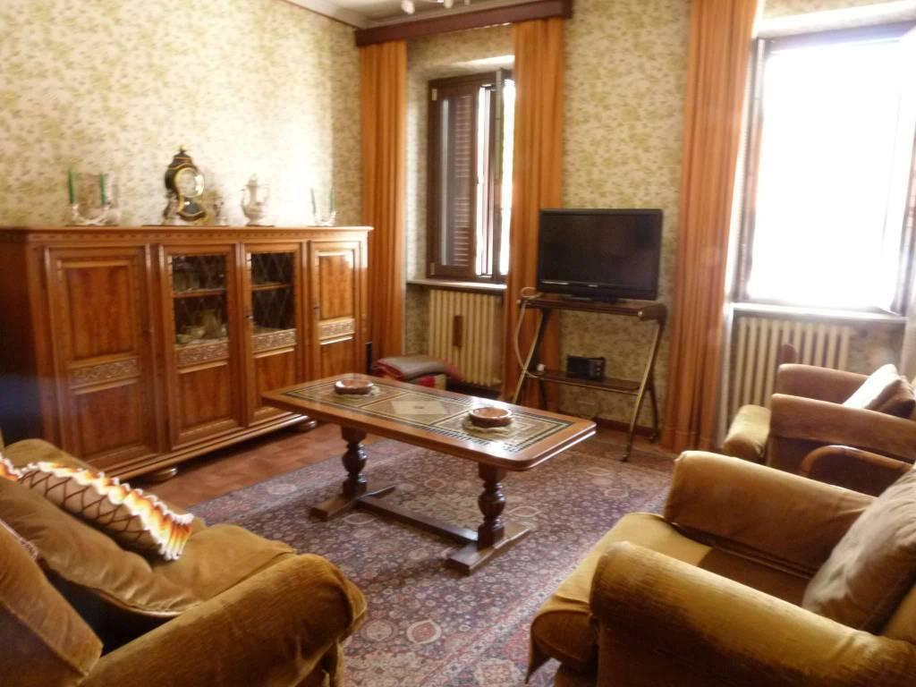 Appartamento in vendita a Lurate Caccivio, 3 locali, prezzo € 105.000 | CambioCasa.it