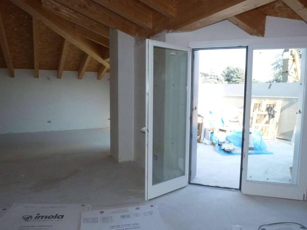 Attico / Mansarda in vendita a Lurate Caccivio, 5 locali, prezzo € 290.000 | PortaleAgenzieImmobiliari.it