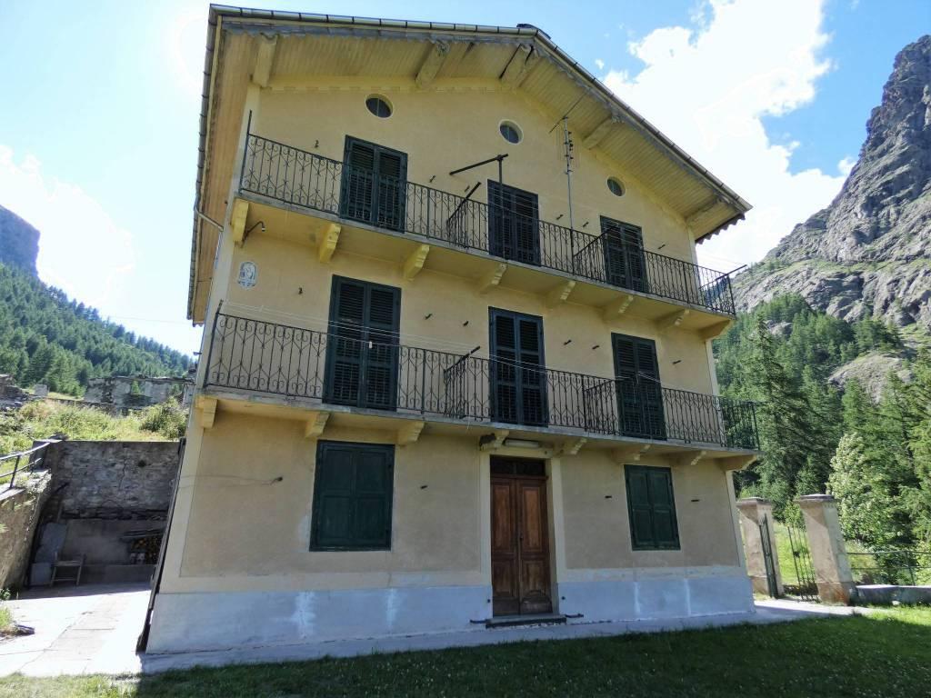 Foto 1 di Bilocale strada Provinciale delle Valli di Lanzo, Balme