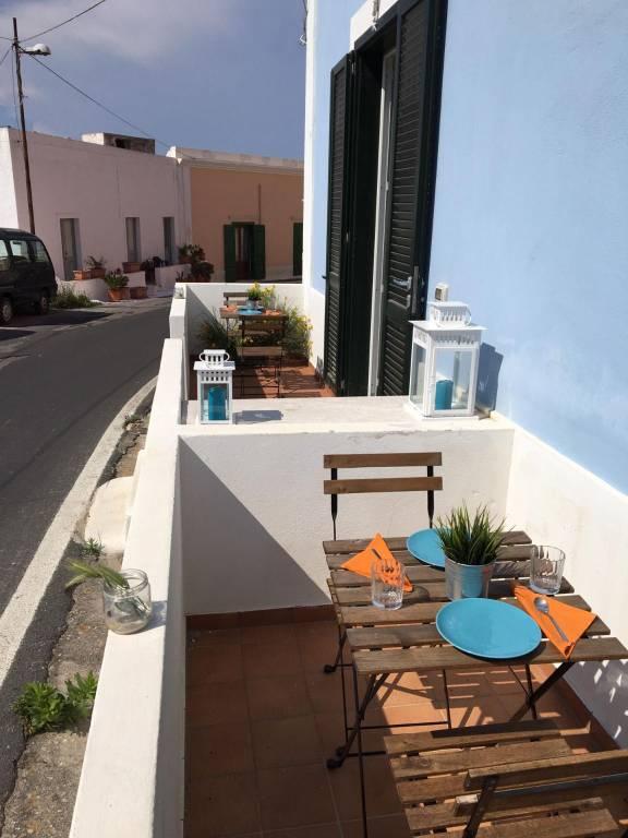 Appartamento in vendita a Ponza, 2 locali, prezzo € 185.000   CambioCasa.it