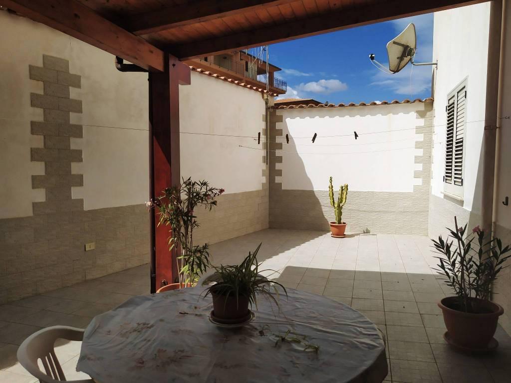 Appartamento in vendita a Balestrate, 3 locali, prezzo € 125.000 | CambioCasa.it