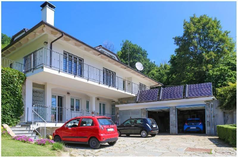Foto 1 di Villa strada eremo, 72, Pecetto Torinese