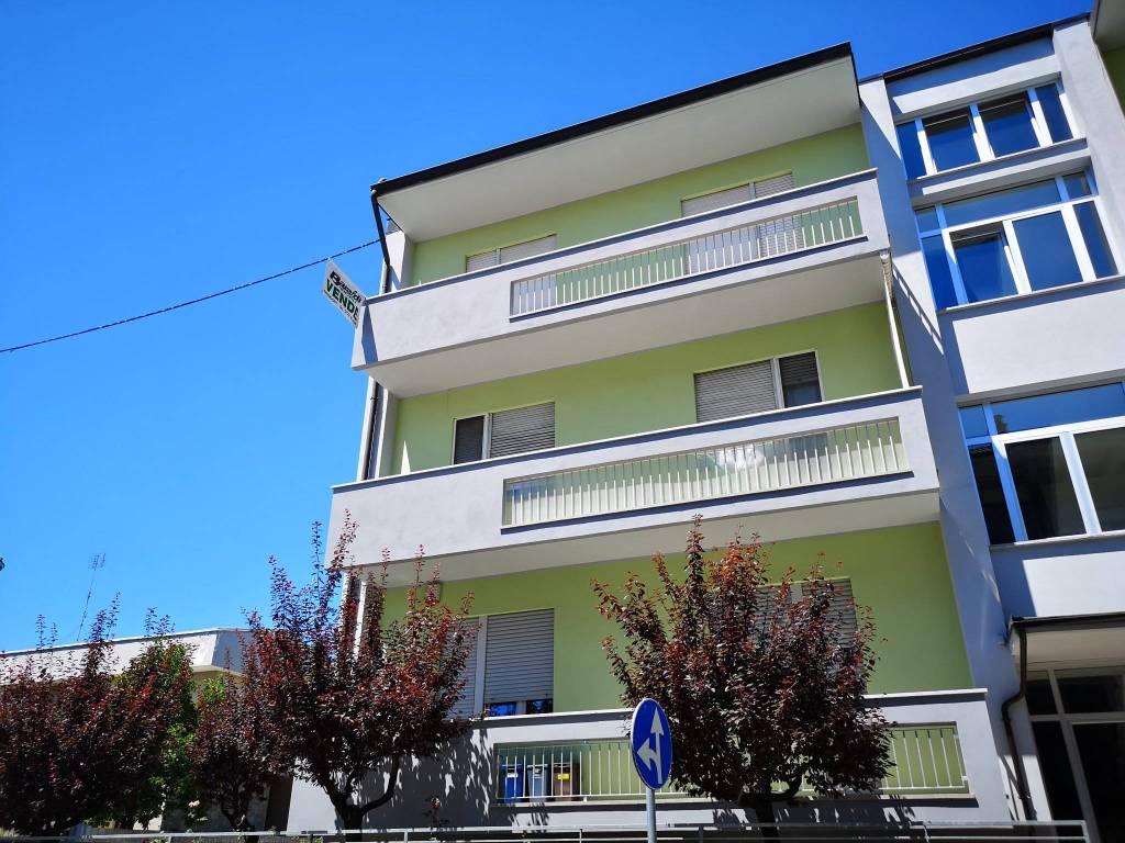 Foto 1 di Quadrilocale via Francesco Vigo 5, Mondovì