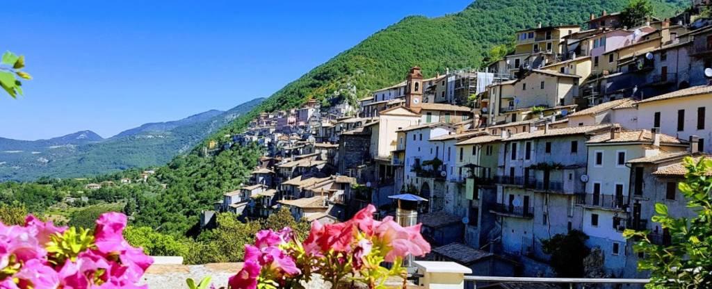 Foto 1 di Trilocale via Montecervia 29, Paganico Sabino