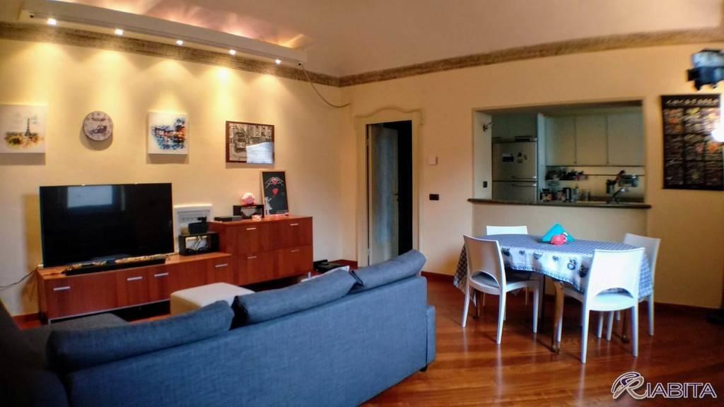 Appartamento in Affitto a Piacenza Centro: 3 locali, 120 mq
