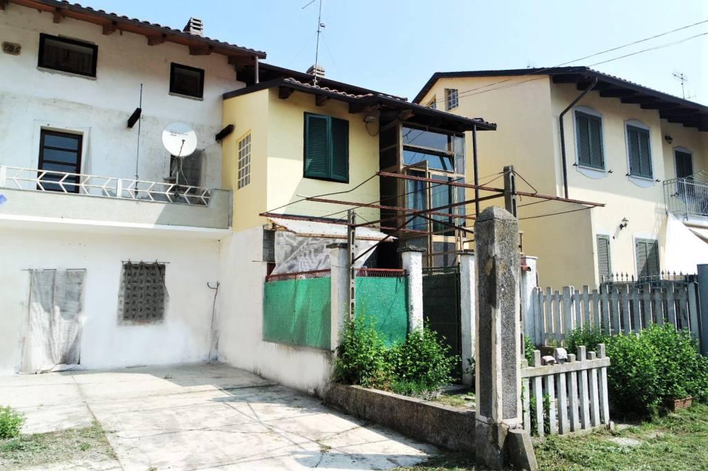Foto 1 di Casa indipendente via Camillo Benso di Cavour, Vische