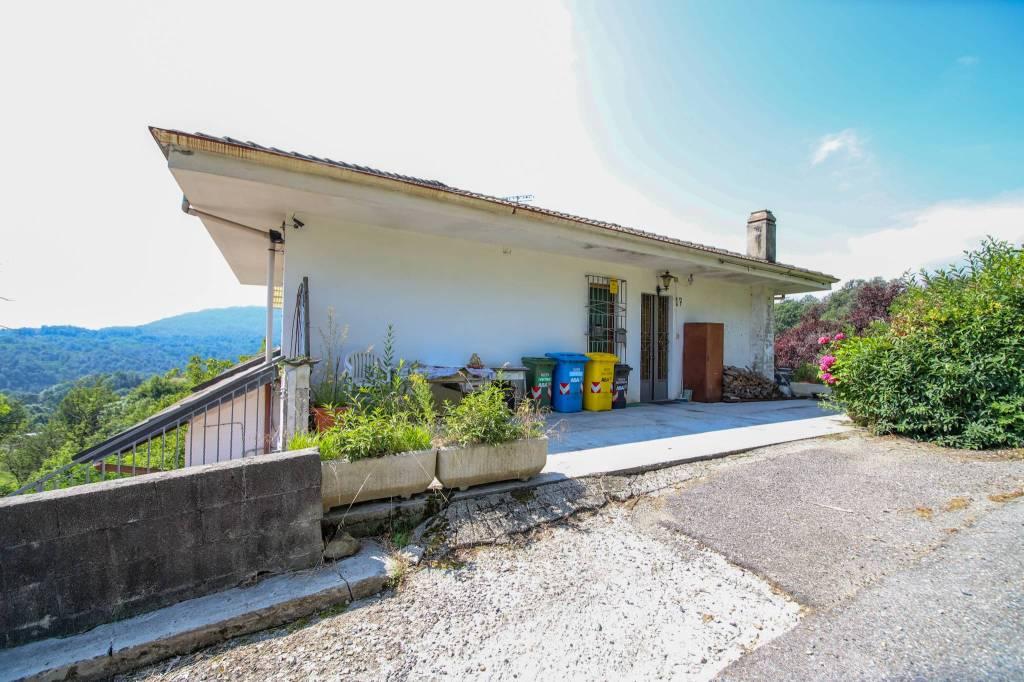 Foto 1 di Appartamento Località Raschiotti, Cuorgnè