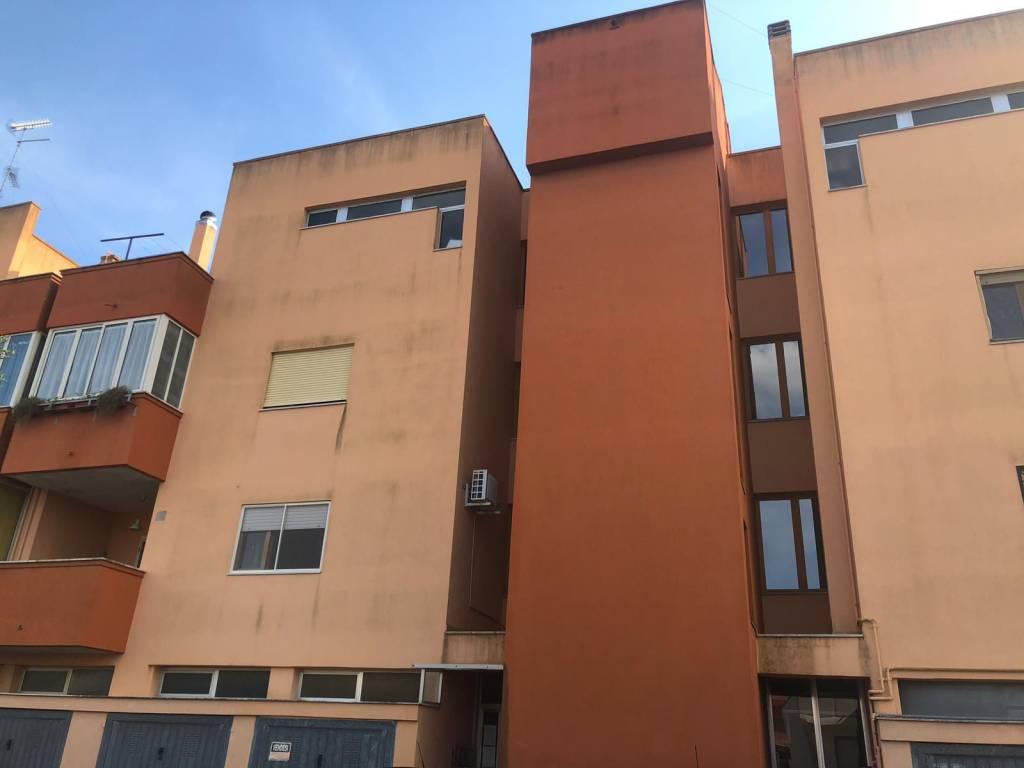 Appartamento in Vendita a San Pietro In Lama Centro: 4 locali, 130 mq