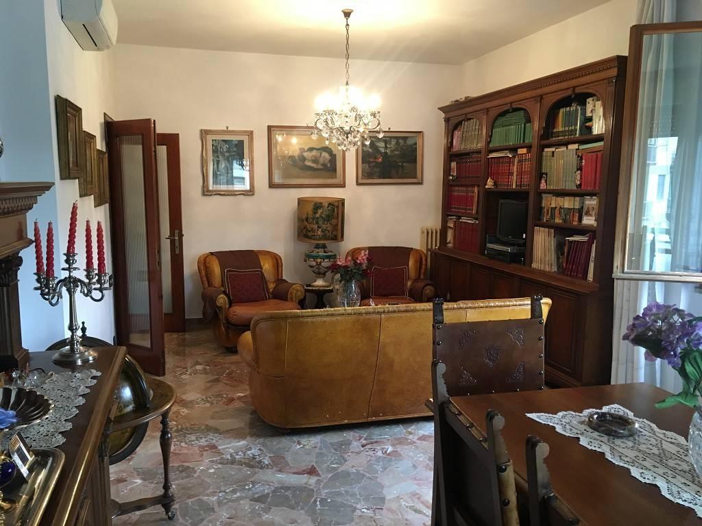 Foto 1 di Quadrilocale via della villa Demidoff, Firenze (zona Il Lippi, Novoli, Barsanti)
