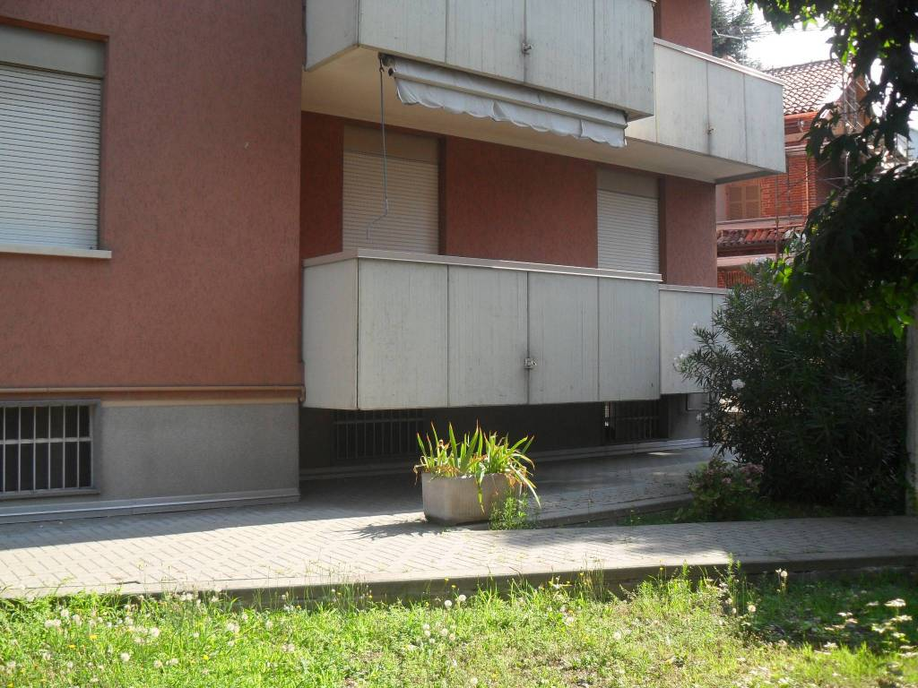 Foto 1 di Appartamento via Raffaello Sanzio 27, Asti