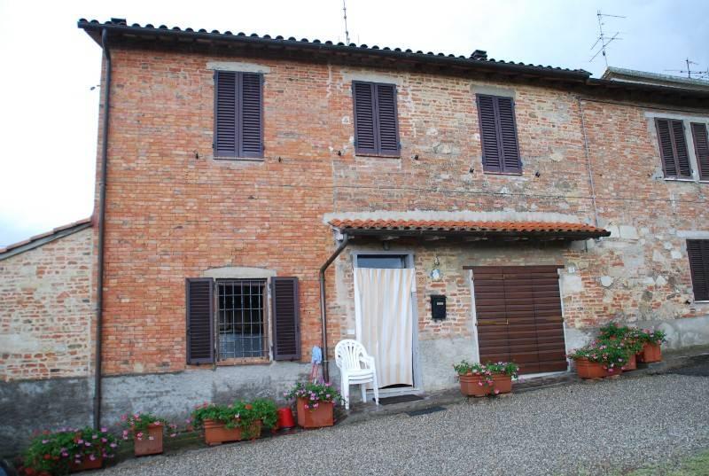 Casa indipendente in Vendita a Castiglione Del Lago Periferia: 5 locali, 160 mq