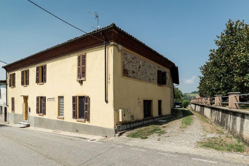 Rustico / Casale in vendita a Castelletto Merli, 6 locali, prezzo € 280.000 | PortaleAgenzieImmobiliari.it