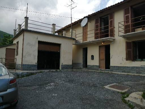 Rustico / Casale in vendita a Garessio, 4 locali, prezzo € 35.000 | PortaleAgenzieImmobiliari.it