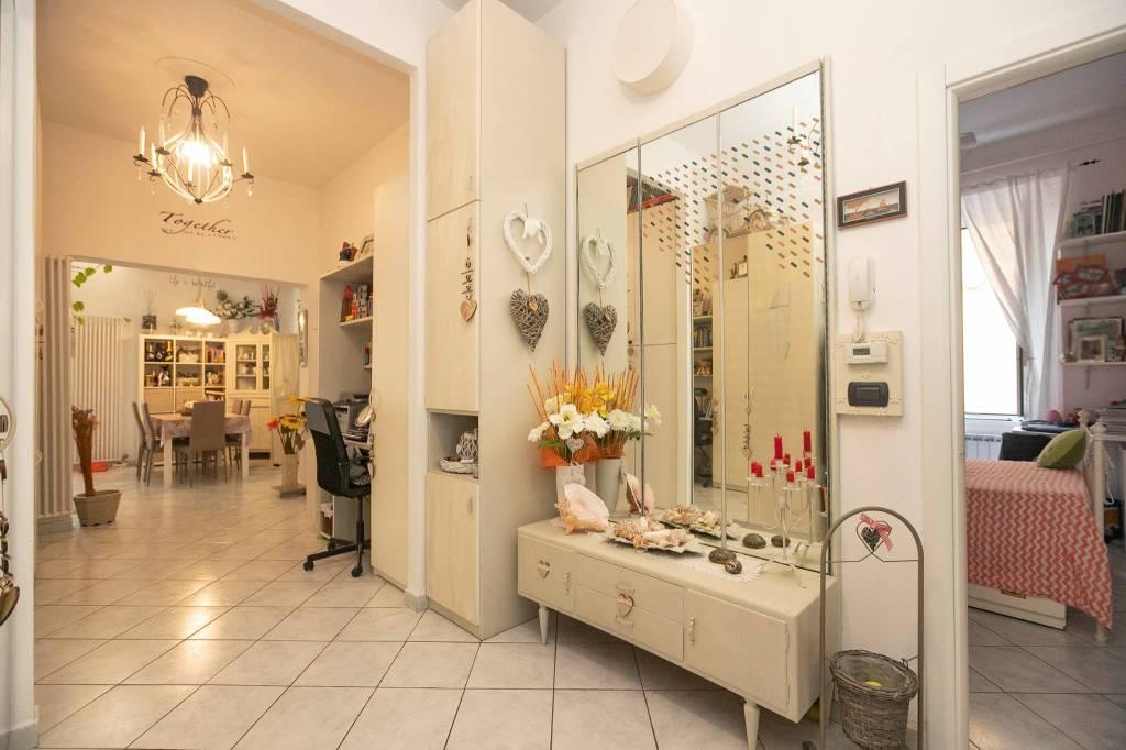 Appartamento in vendita a Chiavari, 6 locali, prezzo € 400.000 | PortaleAgenzieImmobiliari.it