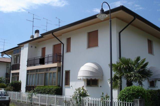 Appartamento in vendita a Corno di Rosazzo, 3 locali, prezzo € 55.000 | CambioCasa.it
