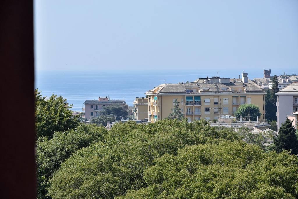Foto 1 di Quadrilocale viale Bernabò Brea, Genova (zona Quarto)