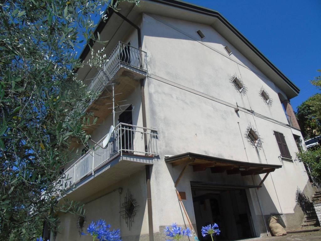Appartamento in vendita a Bolano, 7 locali, prezzo € 270.000   PortaleAgenzieImmobiliari.it
