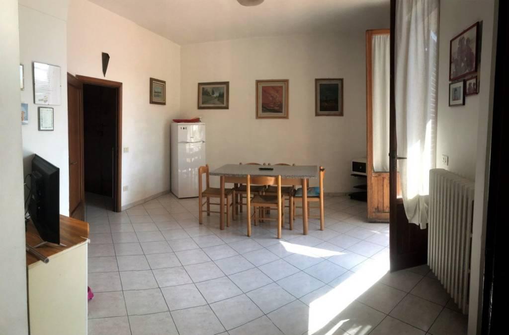 Appartamento in vendita a Calenzano, 5 locali, prezzo € 330.000 | PortaleAgenzieImmobiliari.it