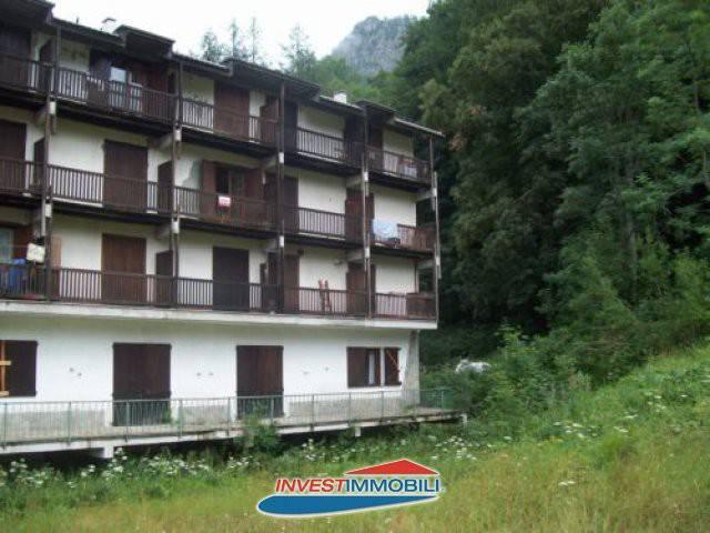 Foto 1 di Monolocale via Villaggio Albaron, Balme