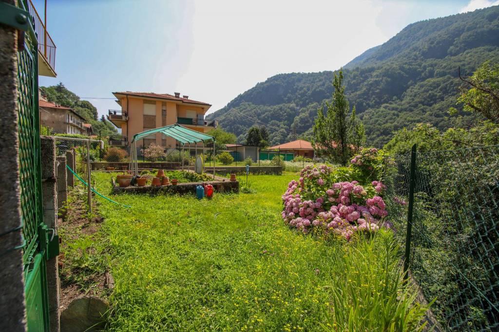 Foto 1 di Villa via Roggie 11, Pont Canavese