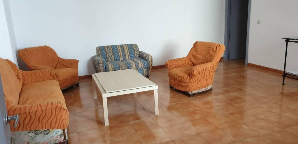 Appartamento in Affitto a Pisa Centro: 5 locali, 90 mq