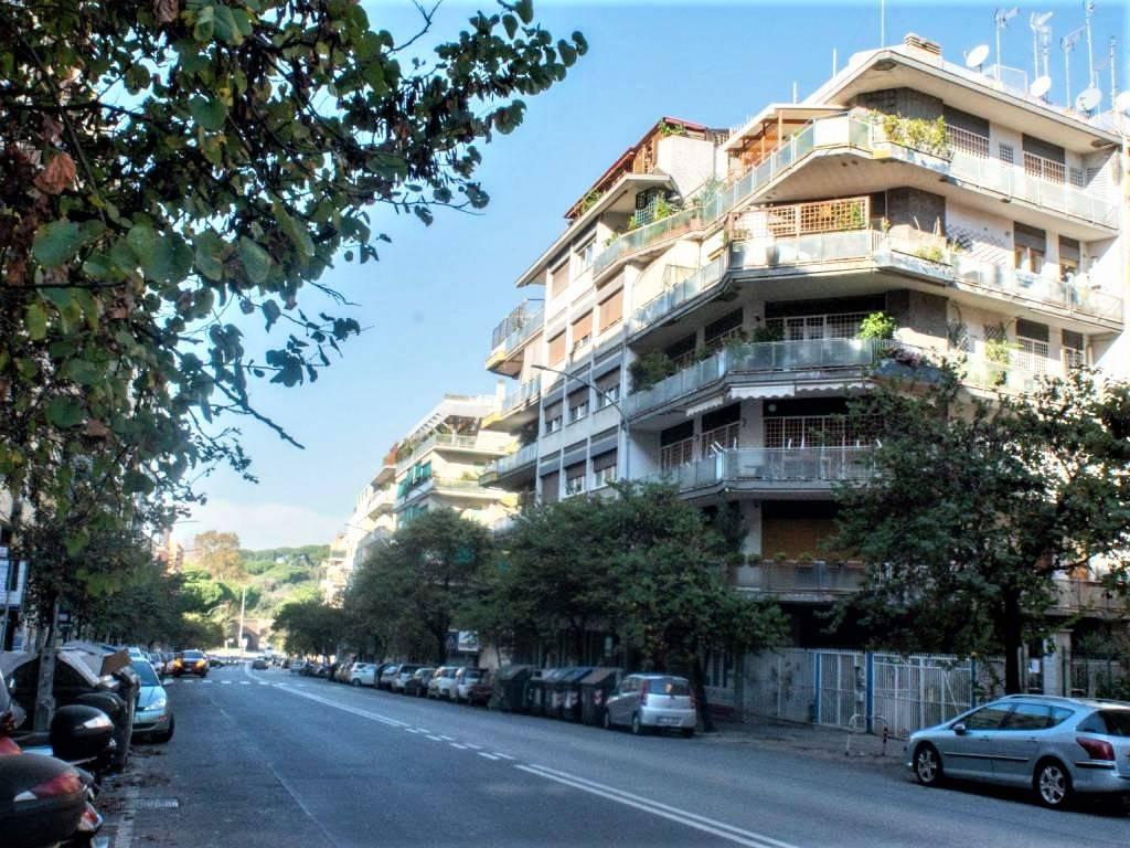 Attico / Mansarda in vendita a Roma, 4 locali, zona Zona: 14 . San Giovanni, Re di Roma, P.ta Metronia, prezzo € 1.250.000 | CambioCasa.it