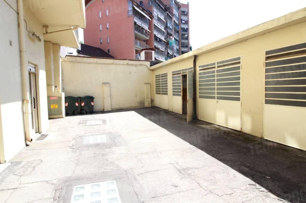 Foto 1 di Box / Garage via Oropa, 58, Torino (zona Vanchiglia, Regio Parco)