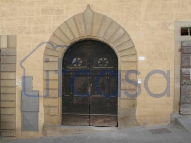 Appartamento da ristrutturare in vendita Rif. 4854766