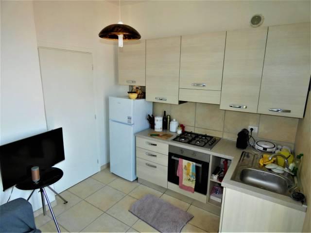 Appartamento in ottime condizioni in affitto Rif. 6682197