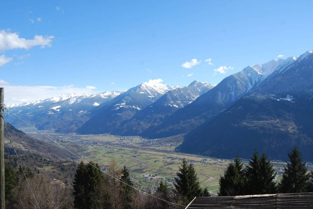 Rustico / Casale in vendita a Buglio in Monte, 11 locali, prezzo € 85.000 | CambioCasa.it