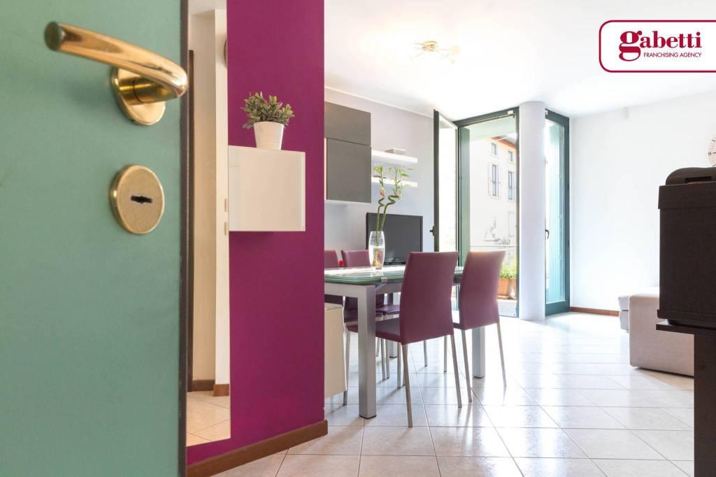 Appartamento in buone condizioni arredato in vendita Rif. 7704517