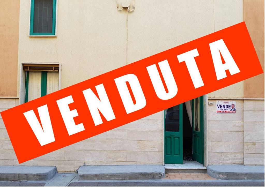 Appartamento da ristrutturare in vendita Rif. 8199254