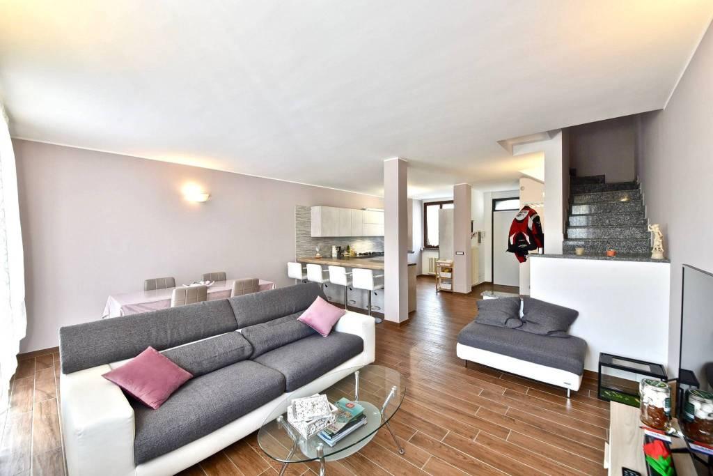 Villa a Schiera in vendita a Binago, 4 locali, prezzo € 255.000 | PortaleAgenzieImmobiliari.it