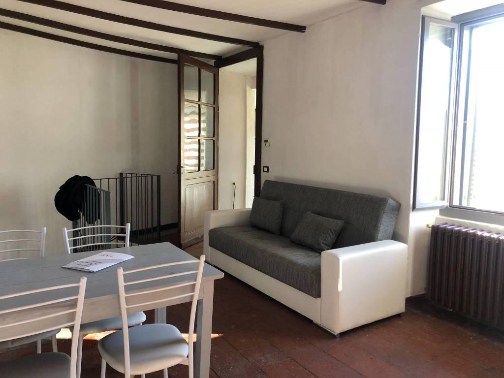 Appartamento in buone condizioni arredato in affitto Rif. 8562149