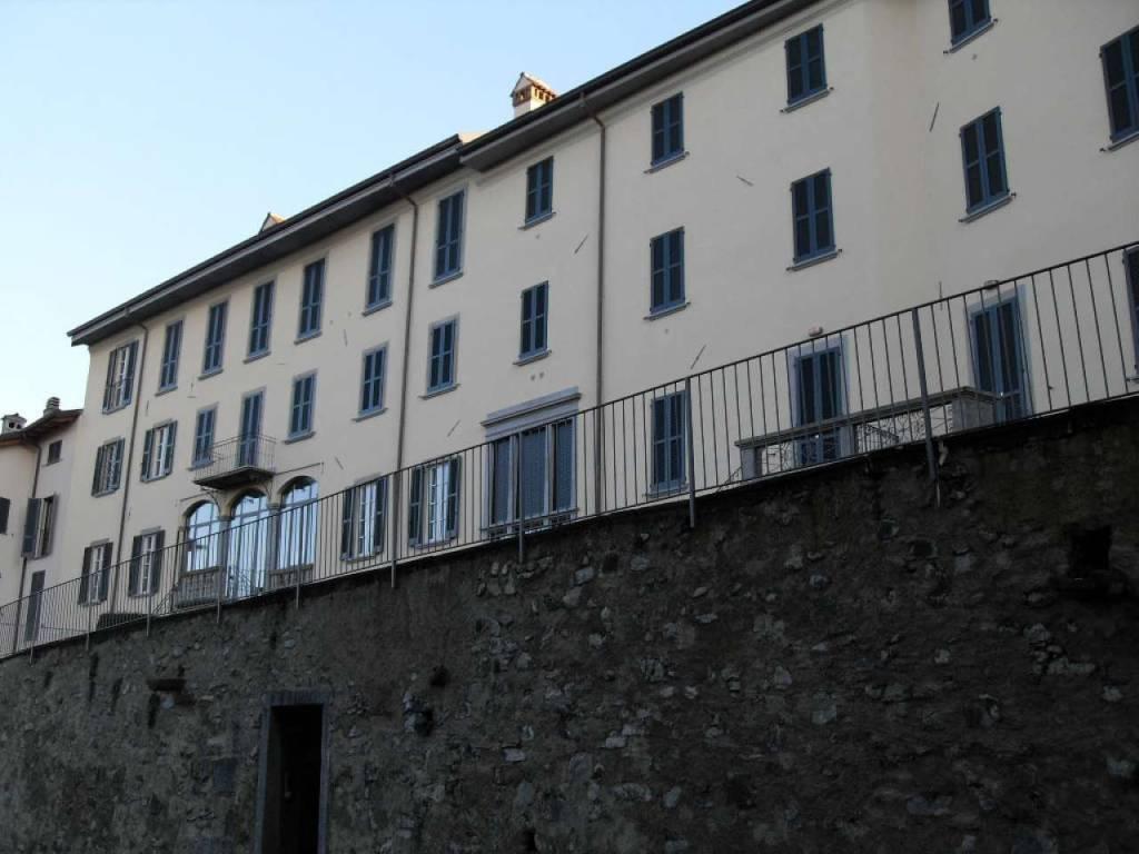 Appartamento in vendita a Barzago, 3 locali, prezzo € 137.000 | CambioCasa.it