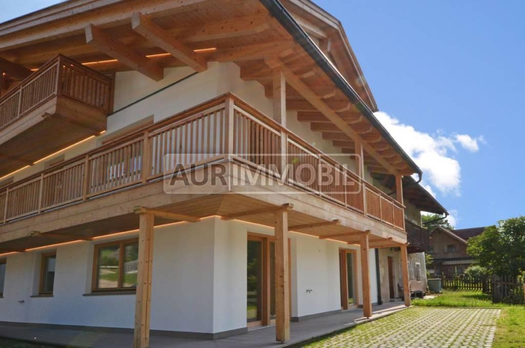 Villabassa, con vista sulle Dolomiti