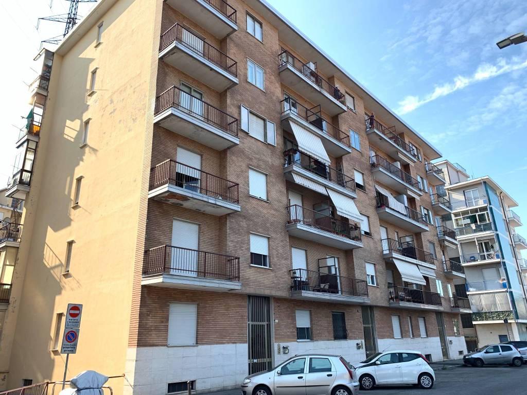 Appartamento in vendita a Rivoli, 2 locali, prezzo € 75.000 | CambioCasa.it