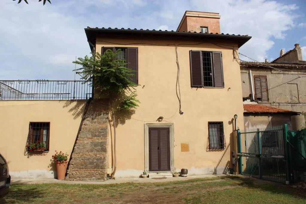 Rustico / Casale in buone condizioni in vendita Rif. 9450826