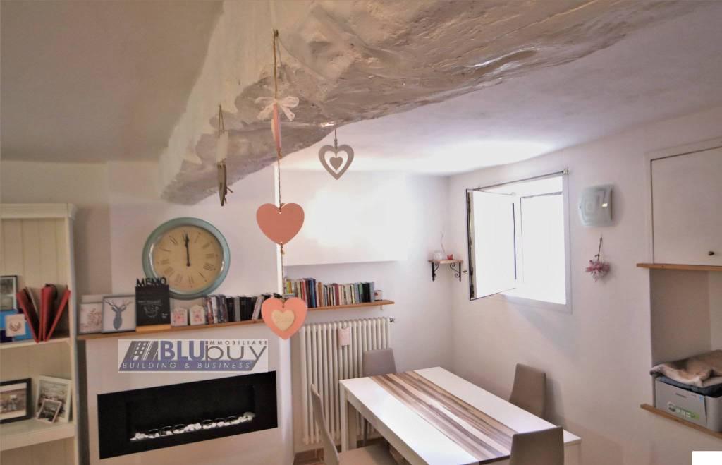 Appartamento in vendita a Faloppio, 2 locali, prezzo € 75.000 | PortaleAgenzieImmobiliari.it