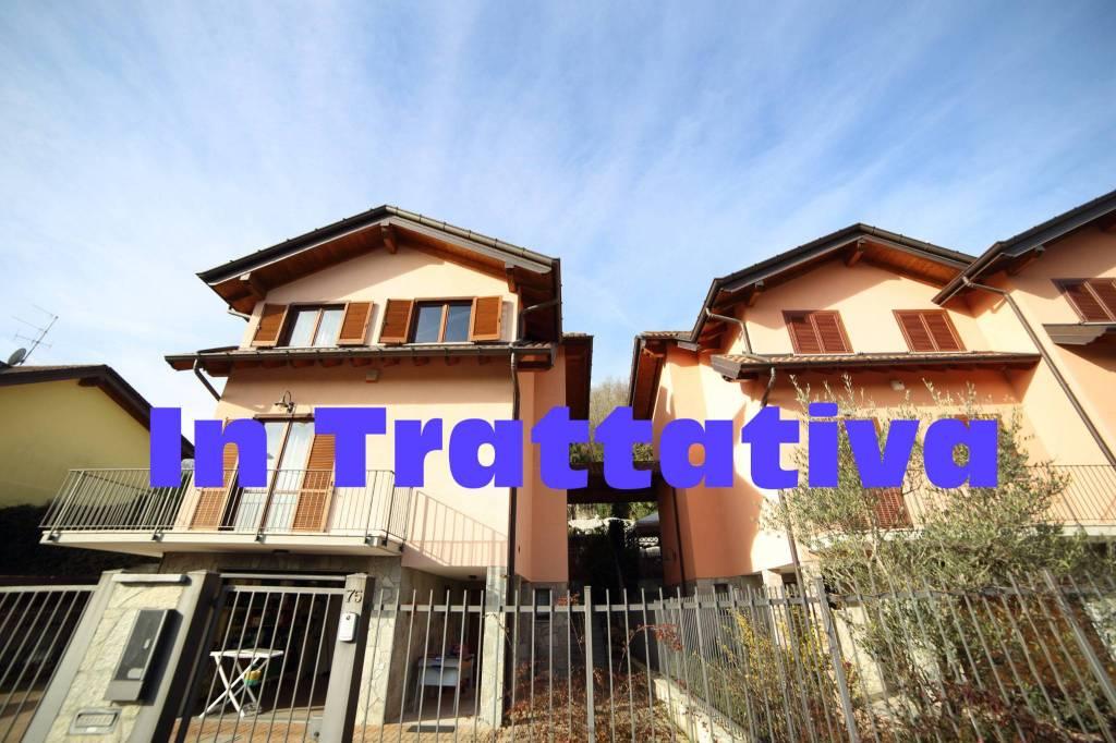 Villa in vendita a Lozza, 4 locali, prezzo € 310.000   CambioCasa.it