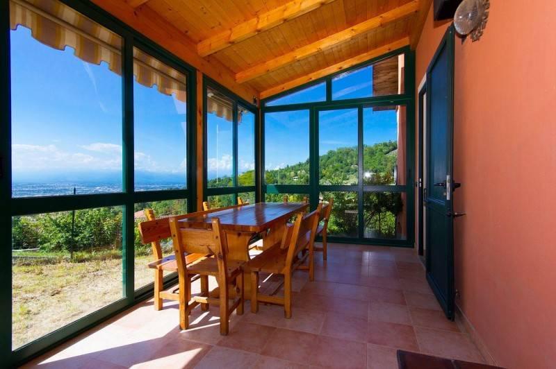 Foto 1 di Villa strada tetti none, 3, Baldissero Torinese
