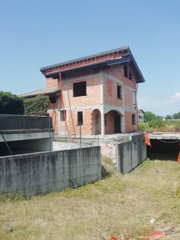 Villa in vendita a Bulgarograsso, 9999 locali, prezzo € 275.000 | PortaleAgenzieImmobiliari.it